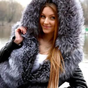 Преимущества меховых курток перед шубами