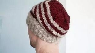 Узоры спицами для вязания мужских шапок