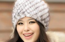Как подобрать шапку или берет из вязаной норки?