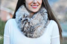 Почему стоит приобрести меховой шарф-хомут?