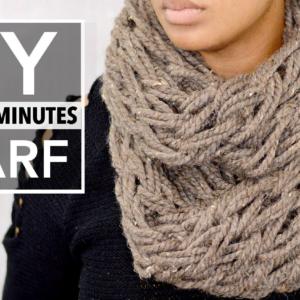 Как связать шарф снуд без спиц и крючка руками
