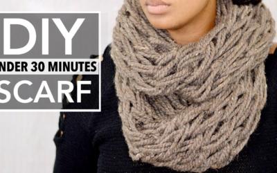 Как связать шарф без спиц и крючка руками