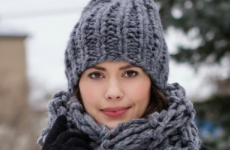 Модные вязаные шапки 2018: модели, узоры, цвет