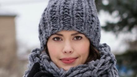 Модные вязаные шапки 2020: модели, узоры, цвет