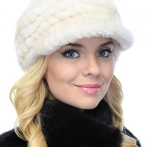 Женские шапки из вязаного мутона