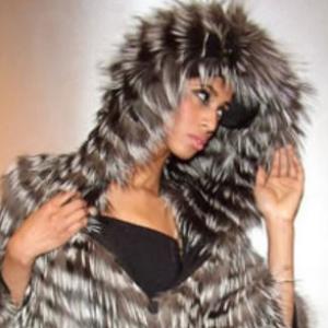 Вязаные пальто и жакеты из меха лисы