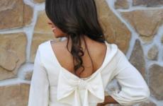 Платье с бантом: с чем носить чтобы выглядеть стильно
