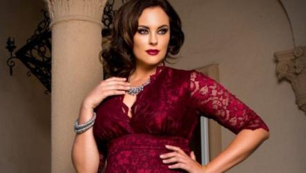Фасоны и модели платья с кружевом для полных женщин