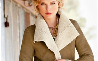 Практичная женская облегченная дубленка: модные тенденции
