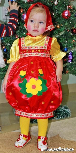 Новогодний костюм матрешки