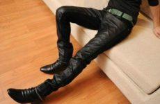 Модные кожаные брюки в сезоне 2020-2021