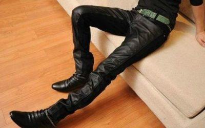 Модные кожаные брюки в сезоне 2019