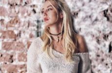 С чем носить свитер этой зимой? Смотри фото стильных образов!