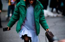 Какую сумку носить с пуховиком? Фото, видео, советы стилистов как выбрать сумку под пуховик?