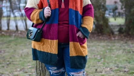 Модные женские вязаные кардиганы и свитера: зима 2021-2022